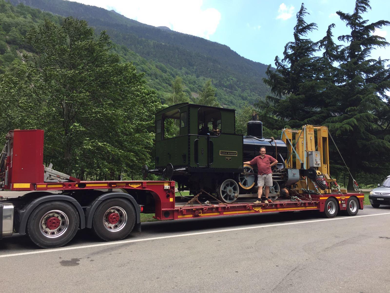 Lokomotiv-Transport vom Tessin nach Goldau für Privat