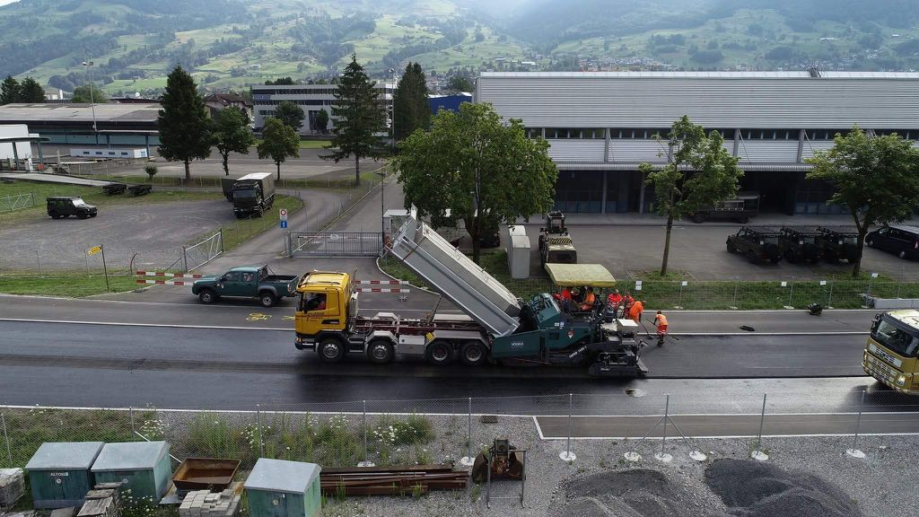 Schelbert AG, Belagseinbau Muotastrasse Ibach-Seewen